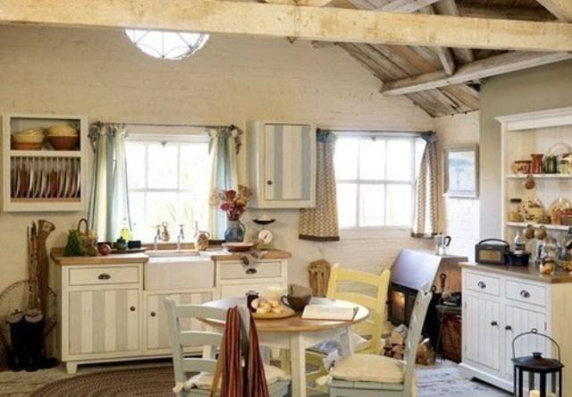 Kuchnia w stylu rustykalnym w - Decorar casas de pueblo ...